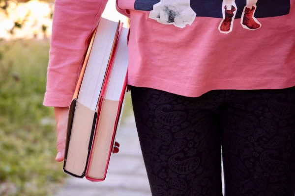 PIXABAY books-2182454_1280